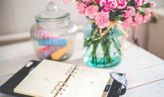 4 Easy Ways To Brighten Up Interiors - Vase Of Flowers & Personal Organiser