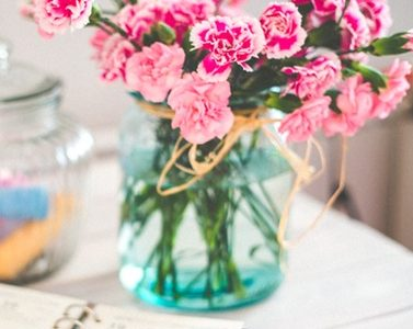 4 Easy Ways To Brighten Up Interiors - Vase Of Flowers & Personal Organiser