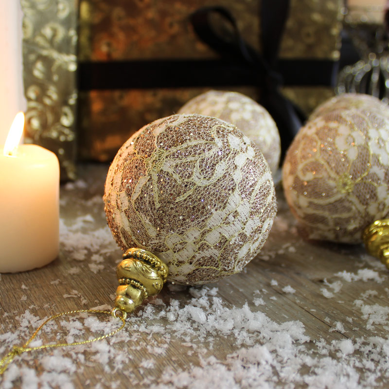 Melody Maison Shabby Chic Baubles