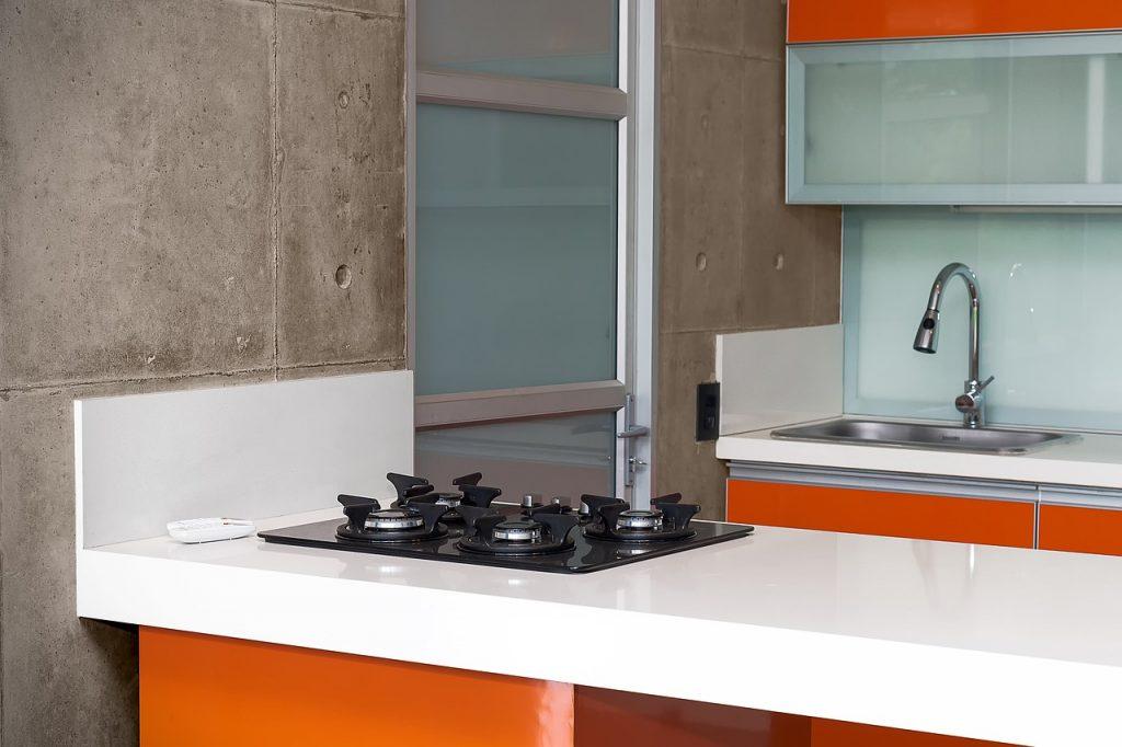 Design An Easy-Clean Kitchen
