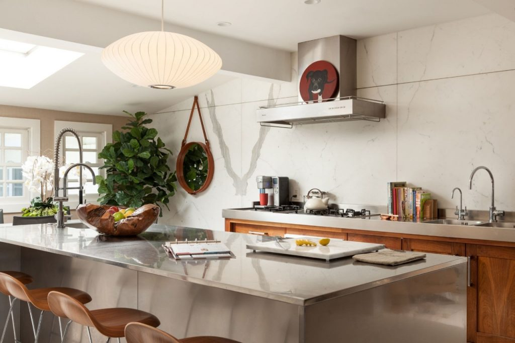 Designing A Practical And Stylish Kitchen - Image From ElleDecor.com - Design By Aaron B Duke
