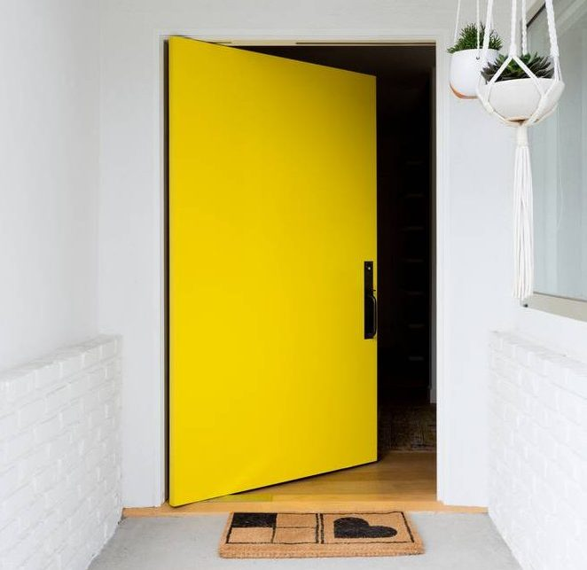 5 Great Ways To Modernise Your Front Door - Image From Domino.com