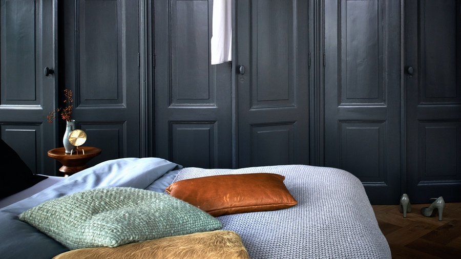 Using Grey In Your Home - Grey Wall Paint - Image Via Dulux.co.uk