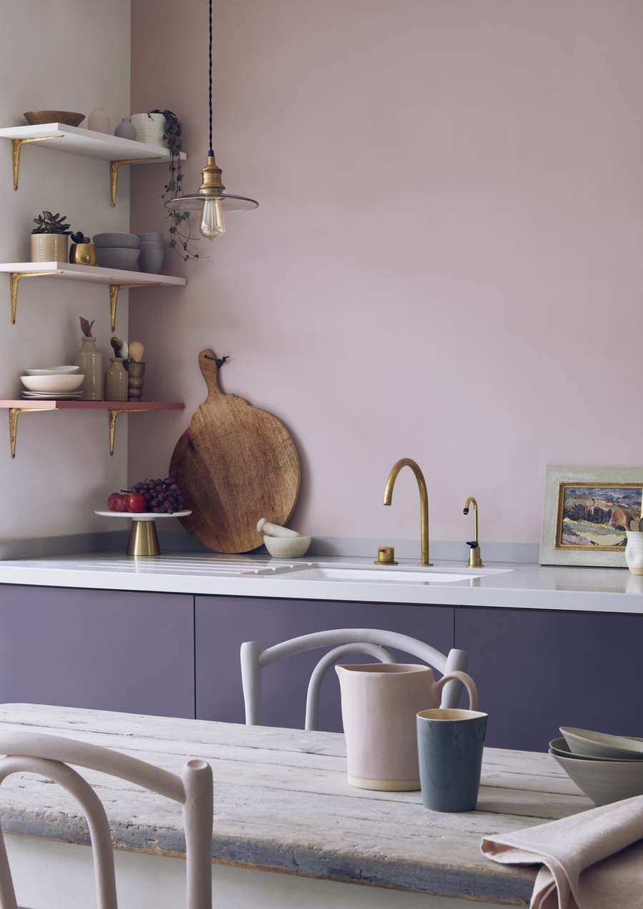 7 Ways To Add Colour To Your Kitchen - Image Via AnnieSloan.com - Kitchen Cupboards In Premixed Aubusson Blue And Emperor's Silk Chalk Paint, Wall In Antoinette Wall Paint Lifestyle